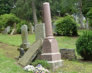Caroline_Martyn_memorial1